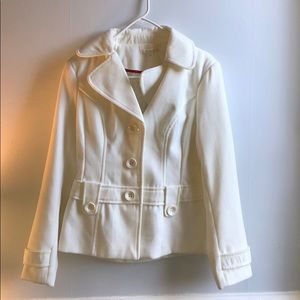 This is a medium white coat from Forever 21.